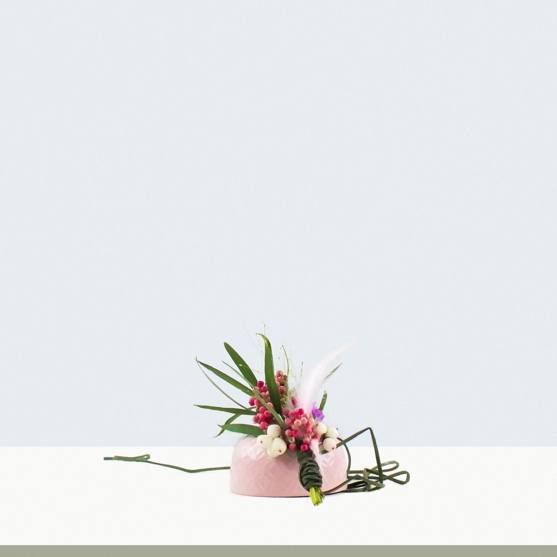 moderne ansteckblume, hochzeitsfloristik