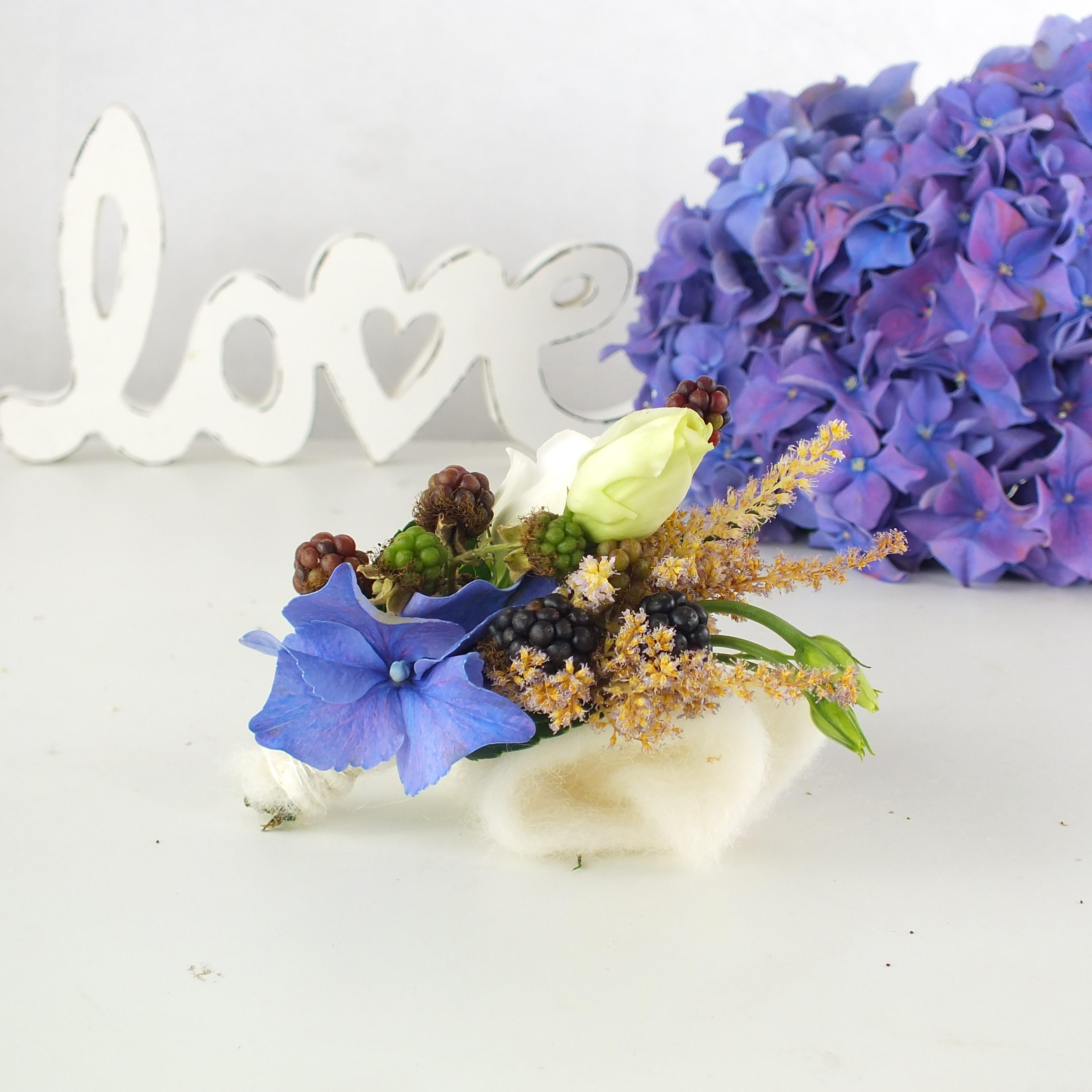 ansteckblume, hochzeitsfloristik, hortensien