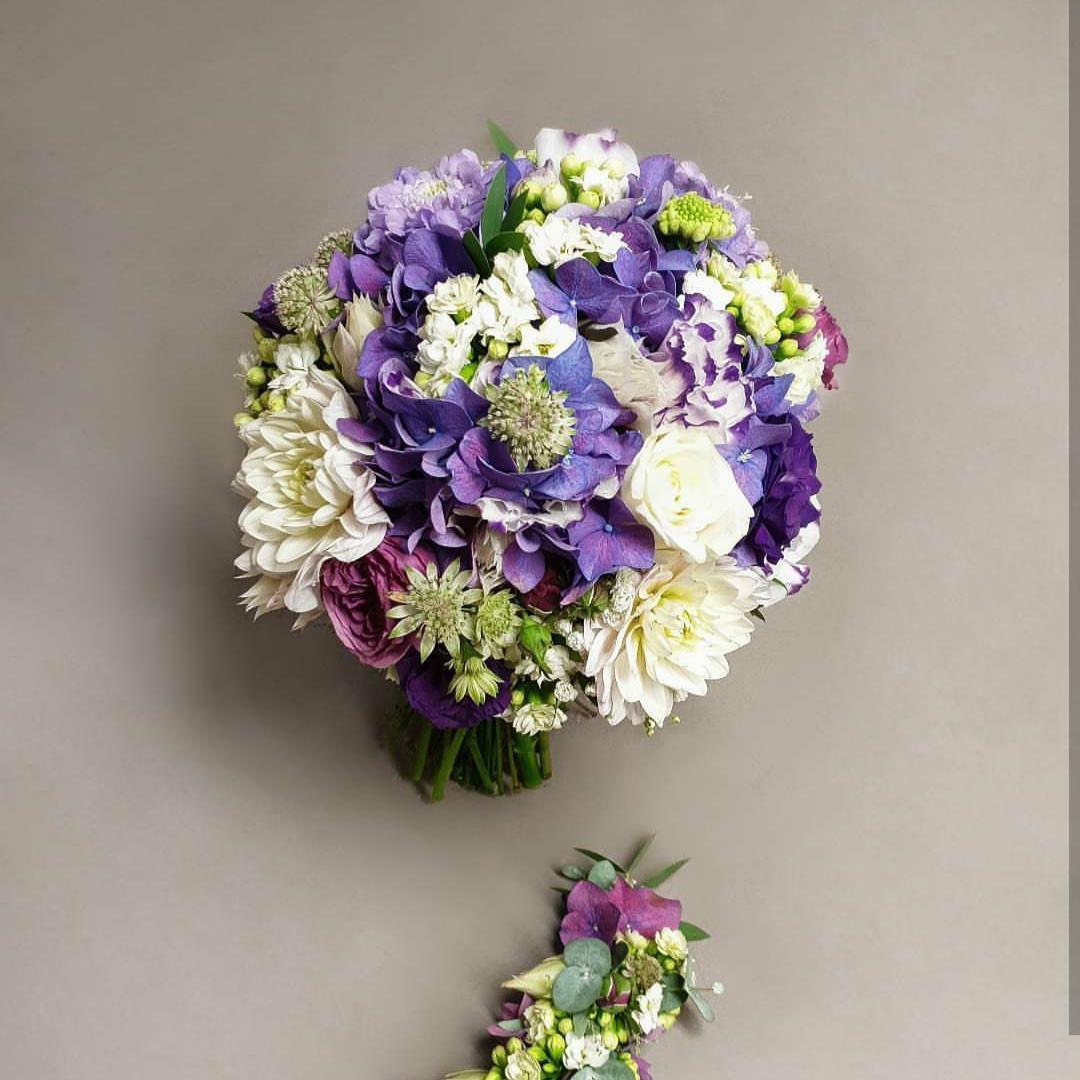 Brautstrauß,weißE anemone, lisianthus