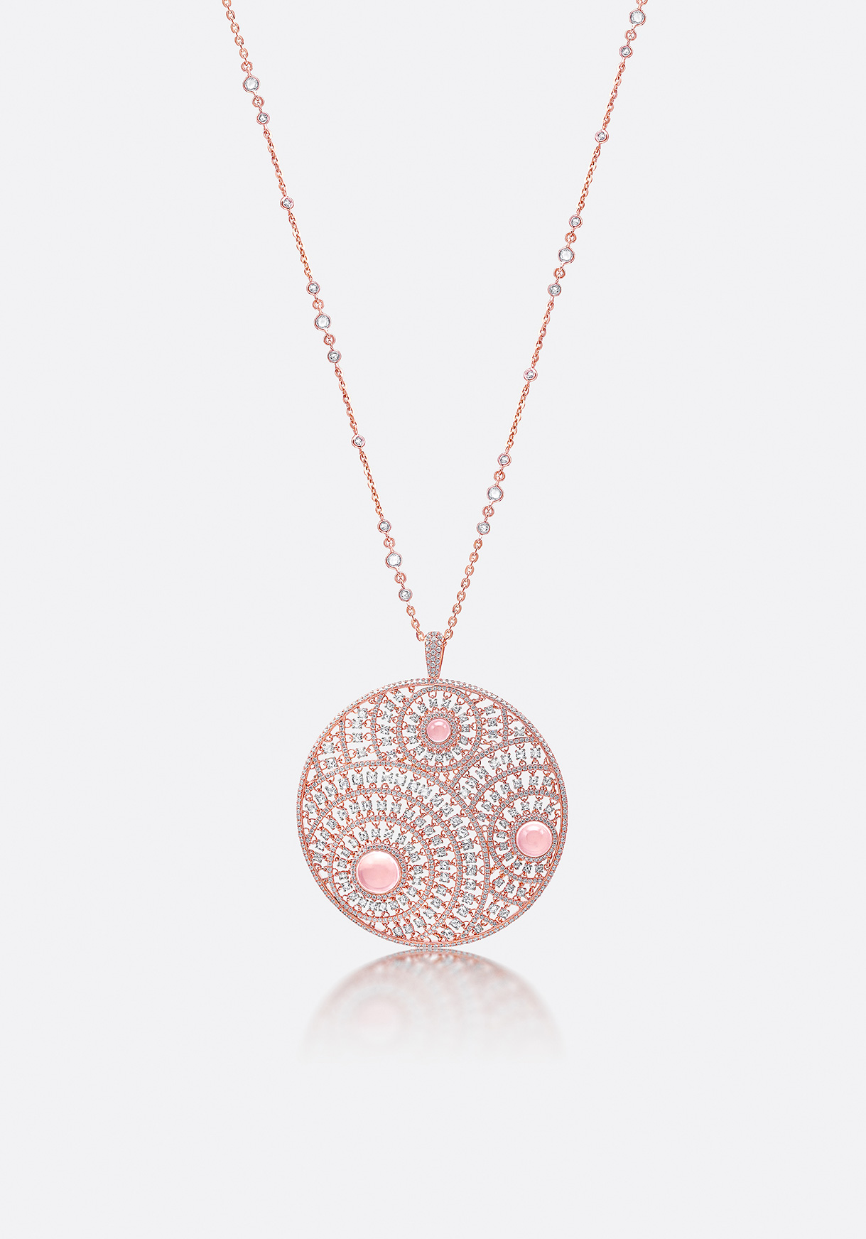 Diamonds are patterned around elegant, centred rose quartzes.