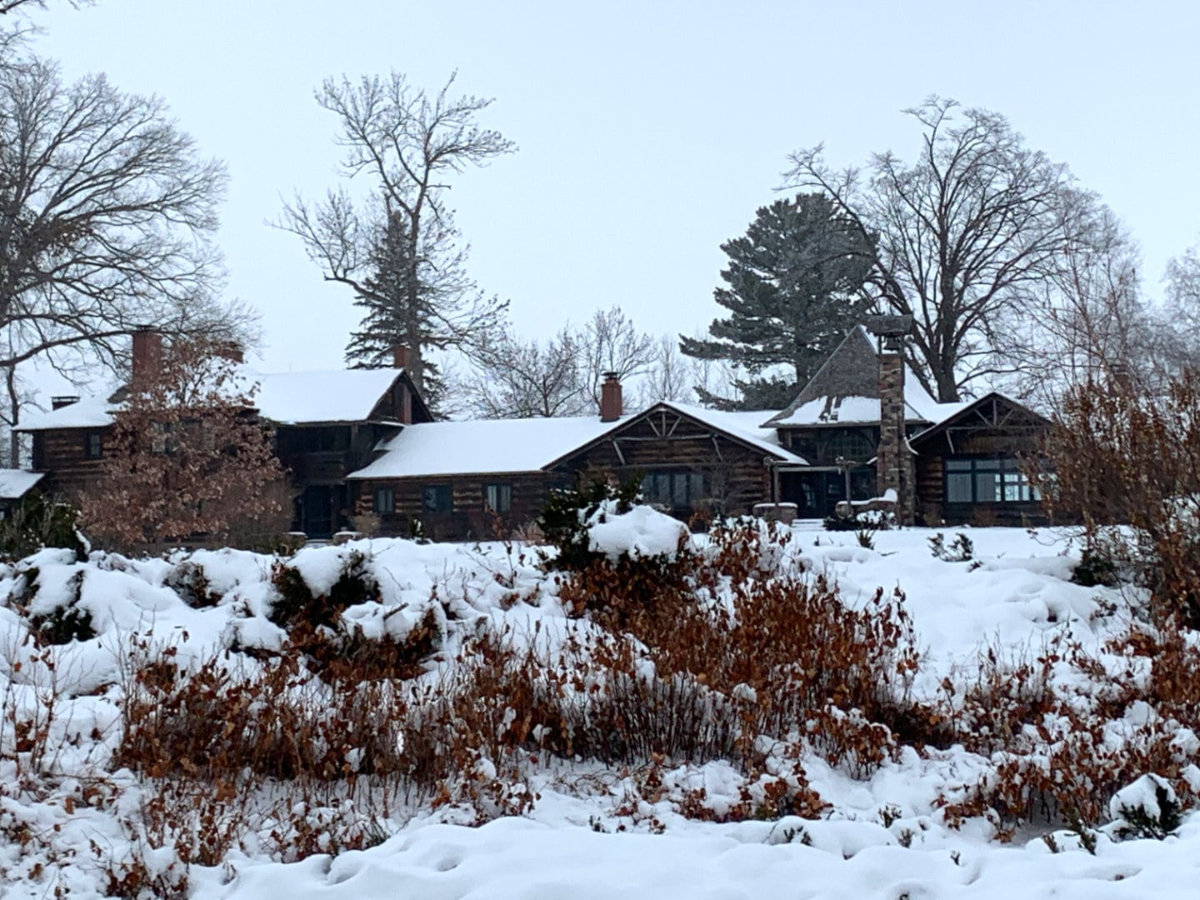 Stout's Island Lodge in the winter