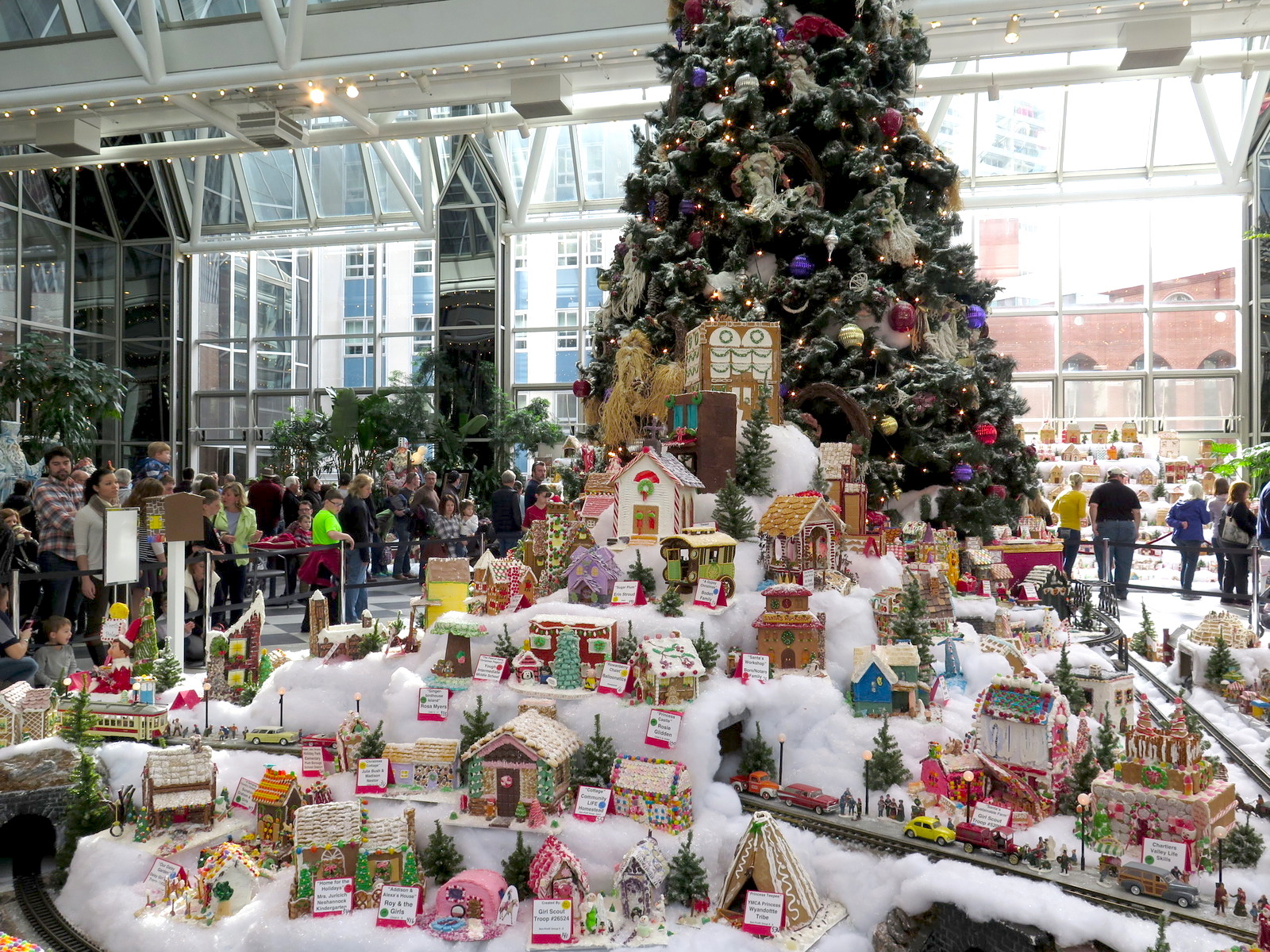 PPG Place WIntergarden Display
