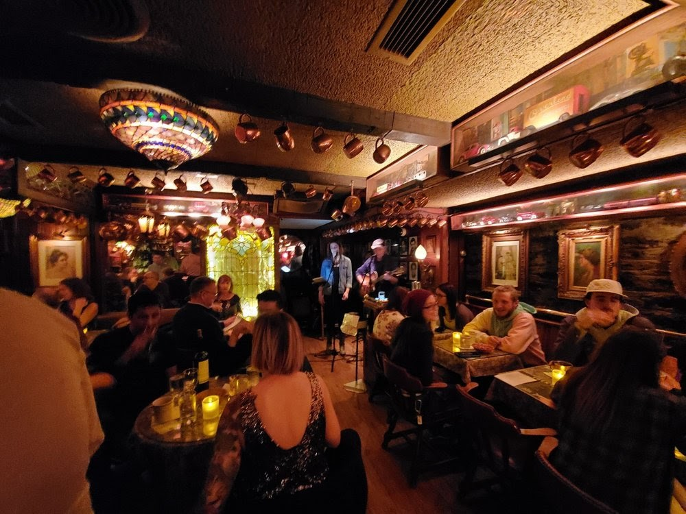 Photo of Blind Lemon - Cincinnati, OH, United States. Tallant and Harmony playing at The Blind Lemon
