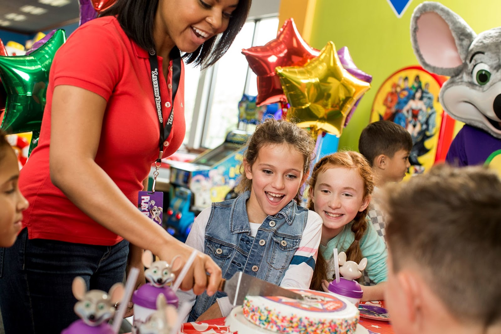 a cake-cutting at Chuck E. Cheese in Pittsburgh