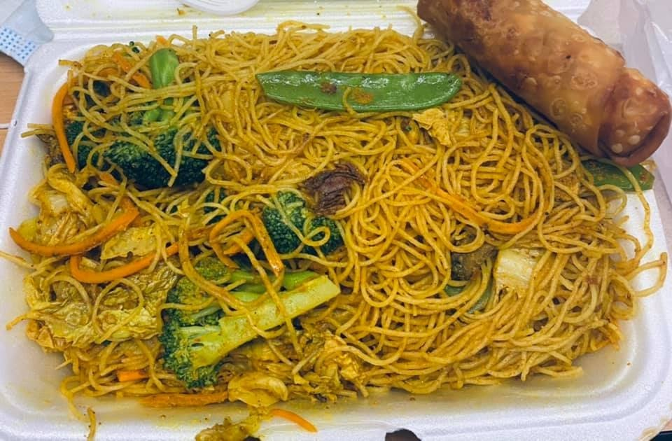 Photo of Double Dragon - Louisville, KY, United States. Veggie Eggroll and Mixed Vegetable Chow Mei Fun