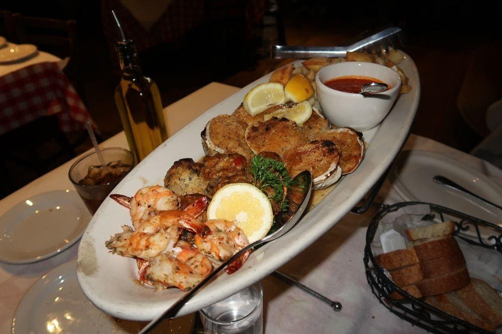 D:\David\Best Kid-Friendly Restaurants in The Bronx Images\F&J Pine.jpg
