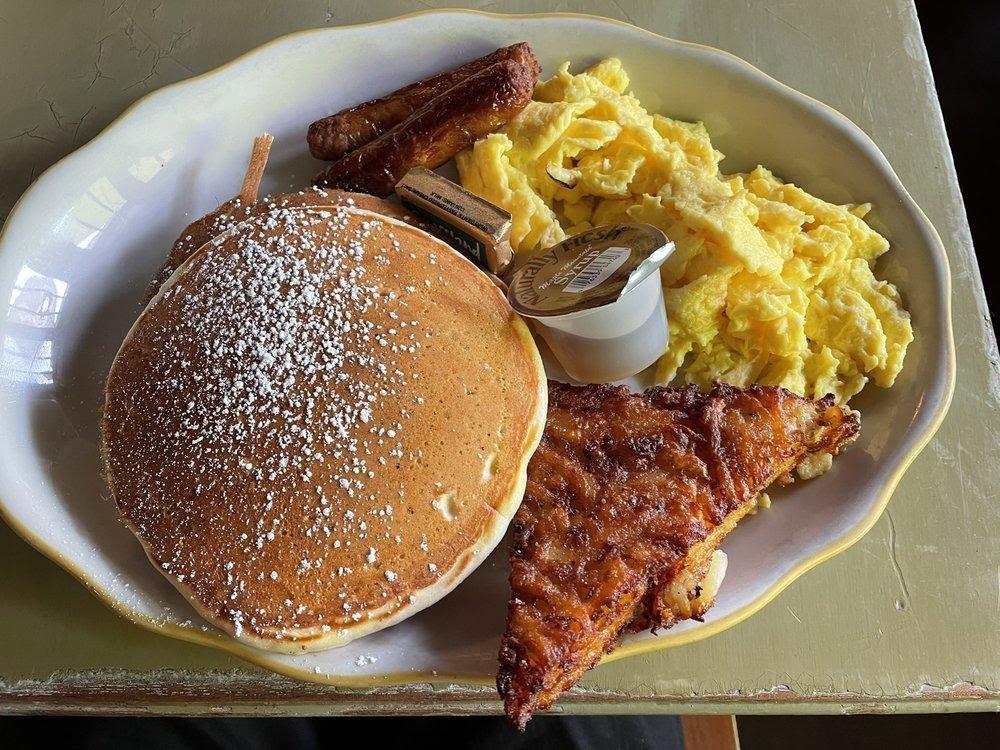 D:\David\Best Kid-Friendly Restaurants in Philly Images\Honey's Sit 'n Eat.jpg