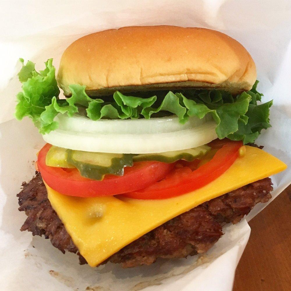 D:\David\Best Jewish Spots for the Best Kosher Food in The Bronx - Images\Yo-Burger.jpg