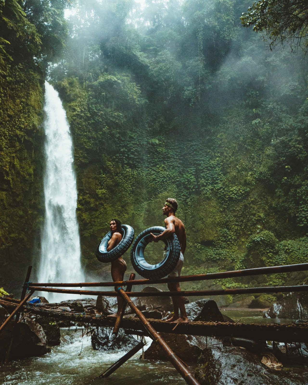 Become a dream travel couple