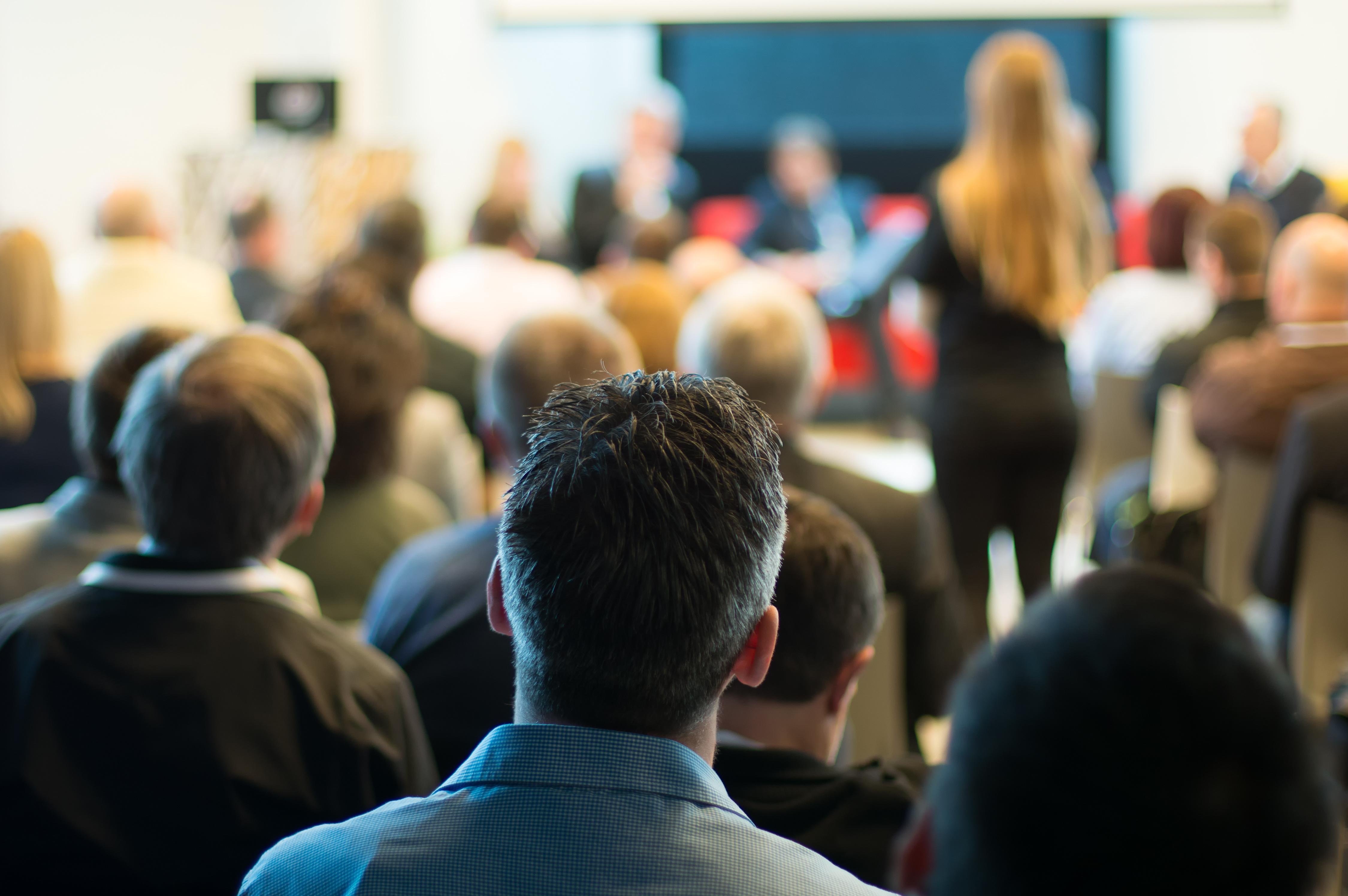 Participez à nos conférences-débats !