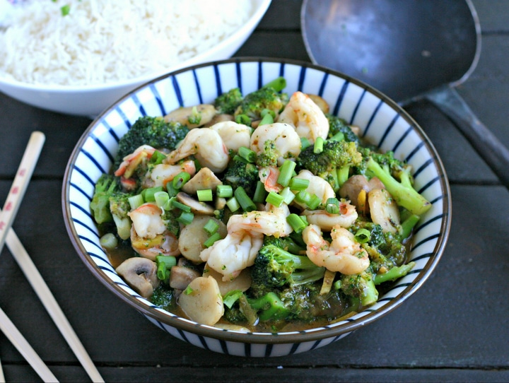 12 Healthy, Easy Dinner Recipes You Have to Try This Week - Shrimp and Broccoli Stir Fry