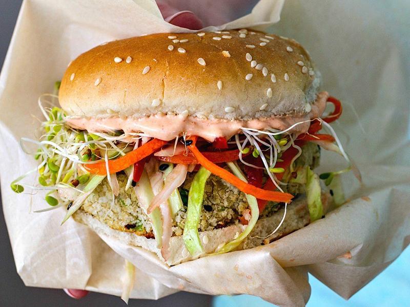 Easy Weeknight Dinner: White Bean Burger