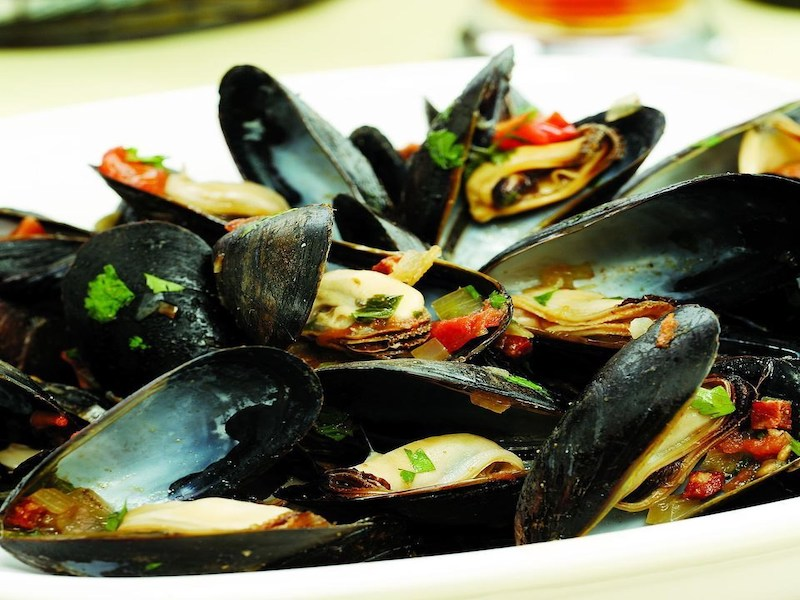 Dinner Ideas for Two: Mussels South of Two Borders