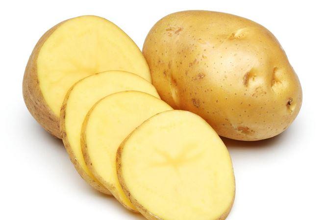 chàm khô đầu móng tay bằng khoai tây