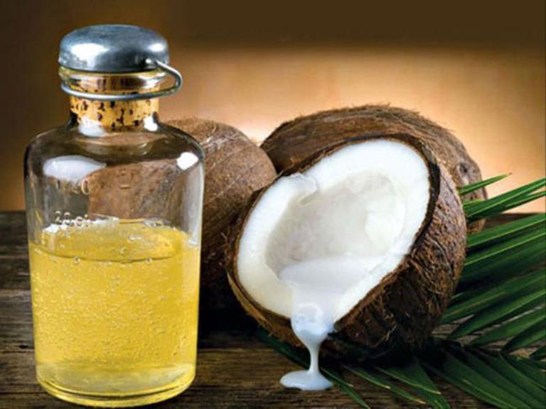 trị nấm móng băng dầu dừa