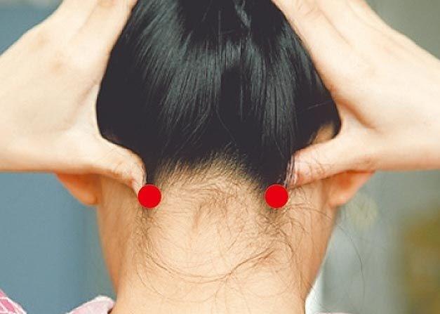bấm nguyệt  mọc tóc
