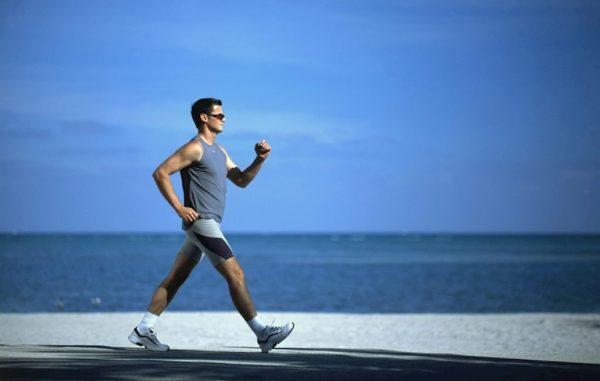 Đi bộ nhanh trị yếu sinh lý nam