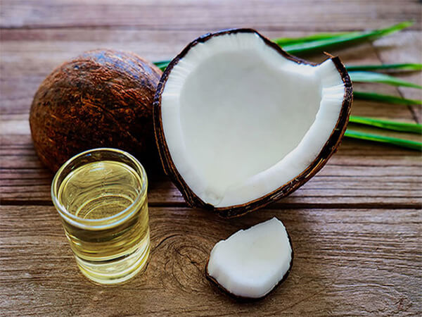 cách trị gàu hiệu quả cho nam bằng dầu dừa