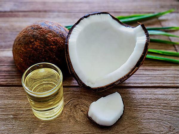 cách trị gàu rụng tóc bằng dầu dừa