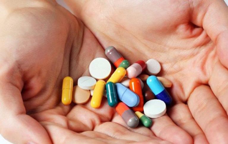 trị bệnh chàm bằng thuốc Tây