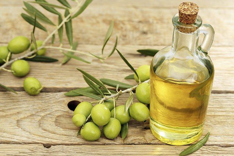 cách trị tràm bằng dầu oliu