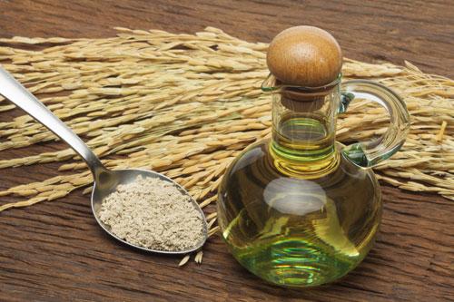 Sử dụng tinh dầu cám gạo trị chàm da