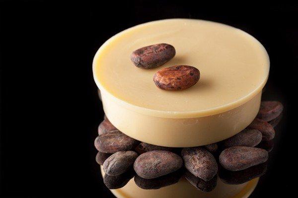 Trị chàm bằng bơ cacao nguyên chất
