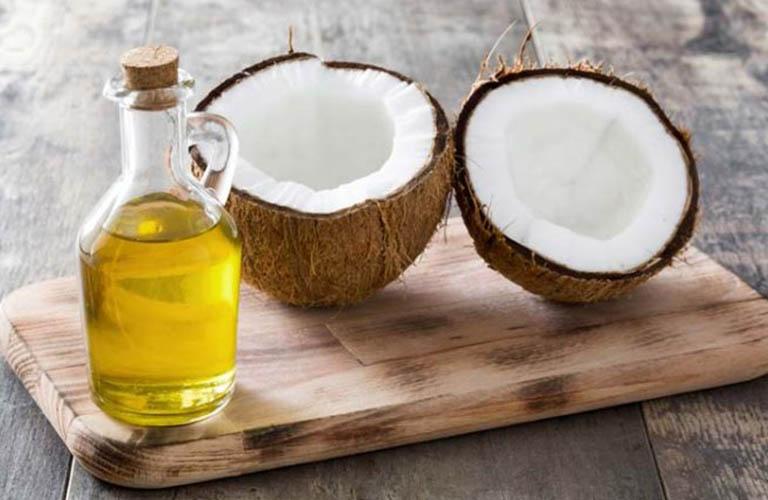 Sử dụng dầu dừa trị chàm ướt