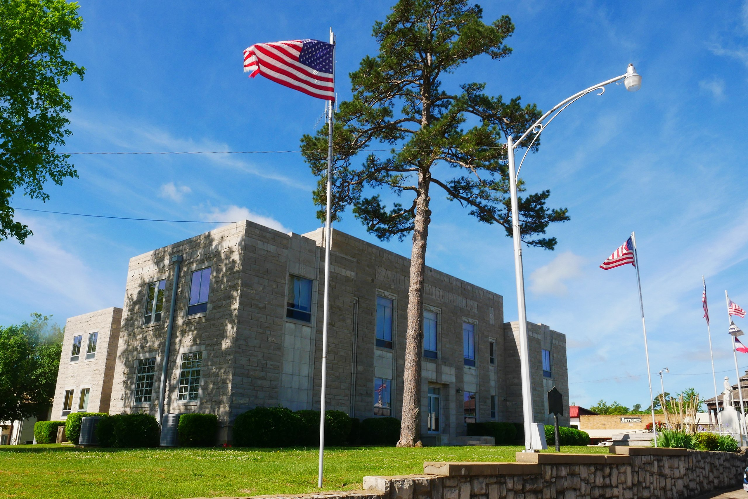 The Modern Izard County Courthouse