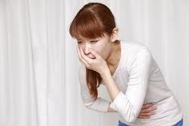 Dấu hiệu đến ngày kinh: Hay bị buồn nôn chướng bụng