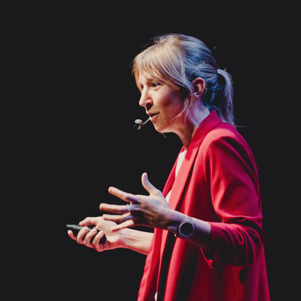 Manuela Da Silveria speaking in TEDx Paysandú