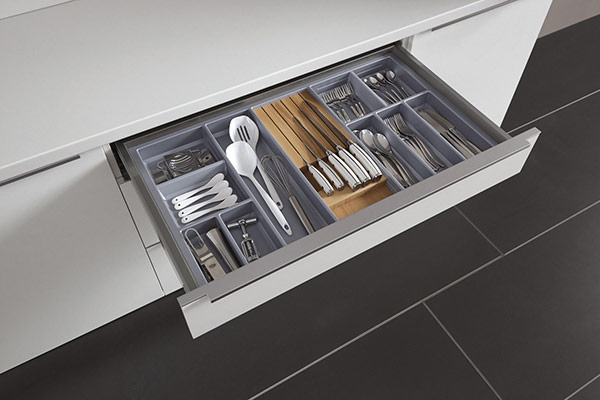 Laminate Cutlery Insert (Silver Grey) with Solid Wood Knife Block