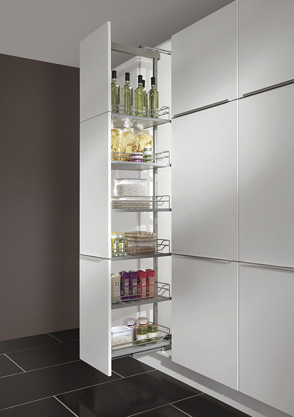 Pullout Larder with 5x Baskets (wooden bottom w/ metal railing)
