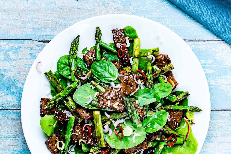Spargel-Rindfleisch-Salat