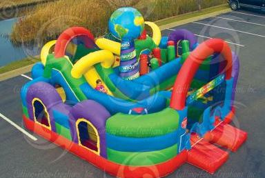 The Wacky World has over 100 feet of play space. Follow the trail from start to finish by crawling up and down small slides and around various small obstacles. (29' long x 28' wide x 12' tall)
