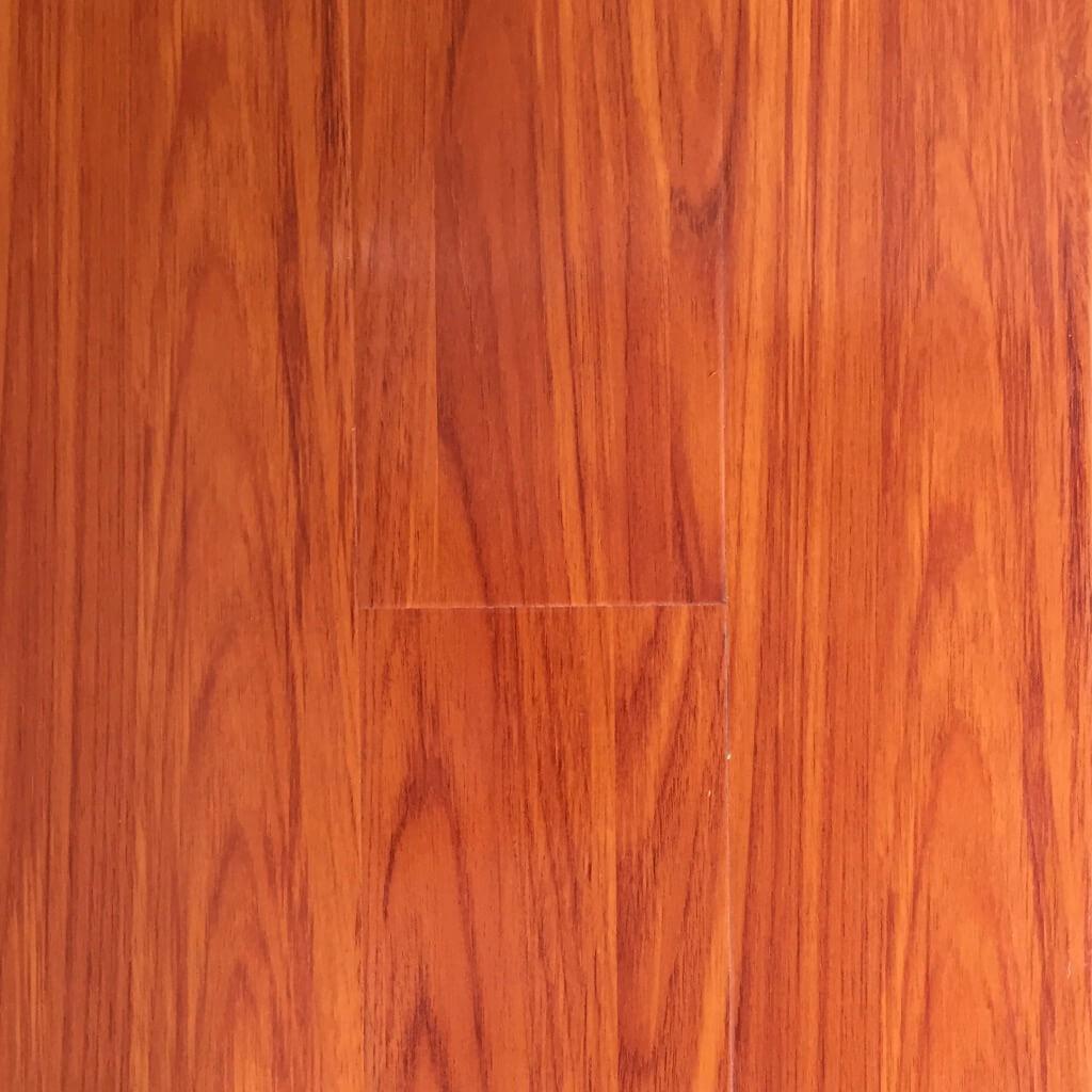 Luxflor 12mm Gloss Blue Gum Flooring