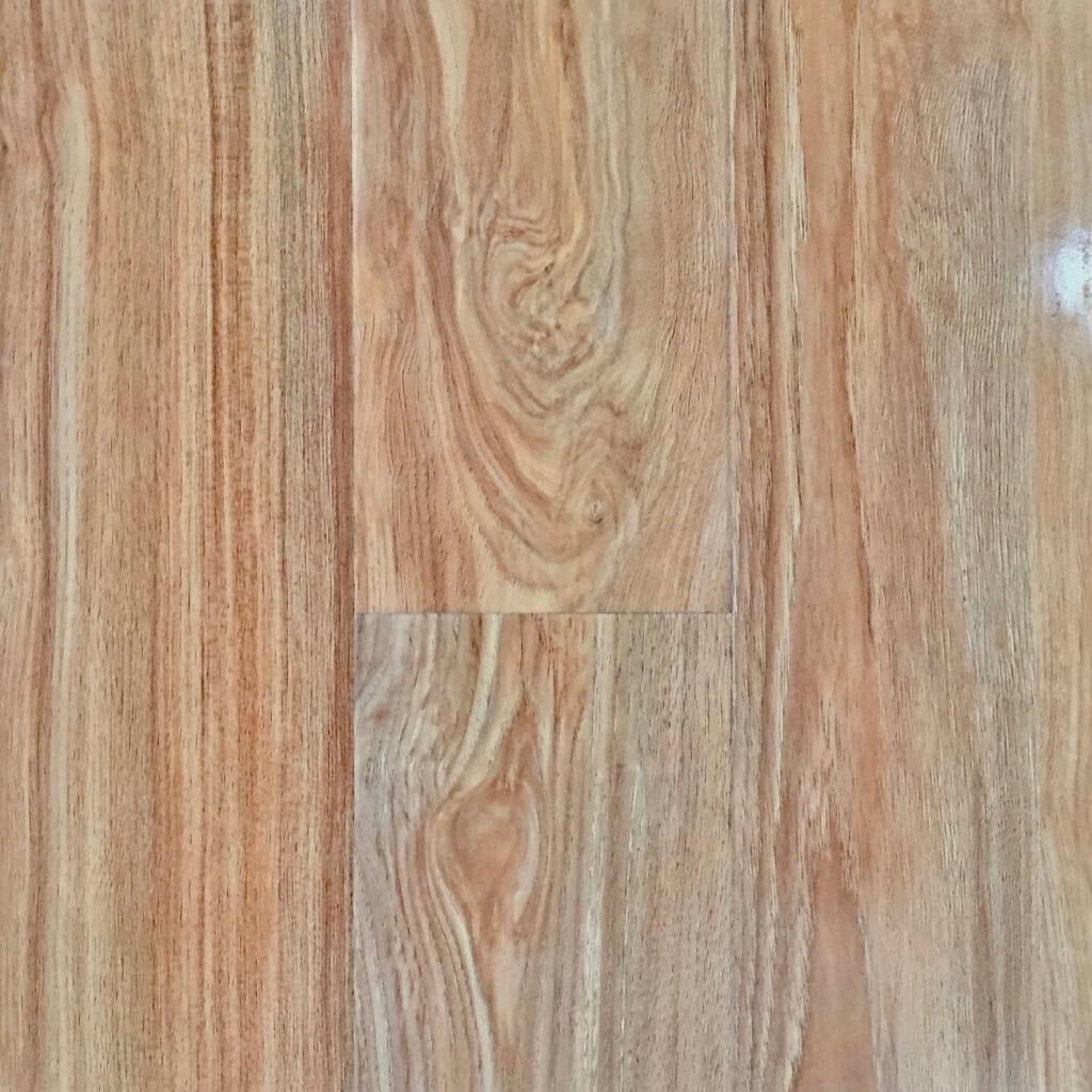 Luxflor 12mm Gloss Rustic Oak Flooring