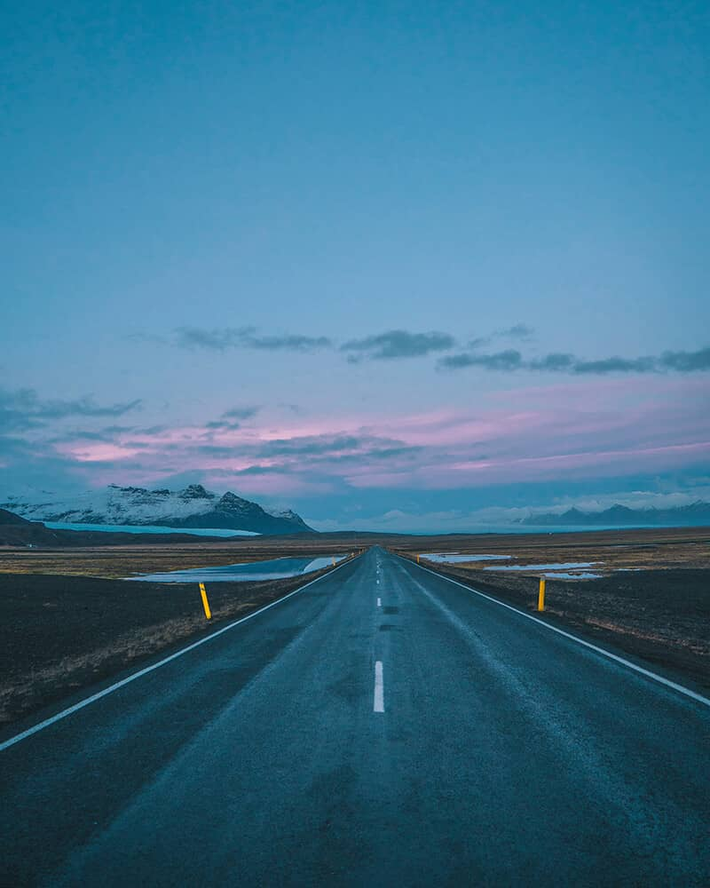 An empty road at sunset, Iceland 2019 - Instagram @estcethomas