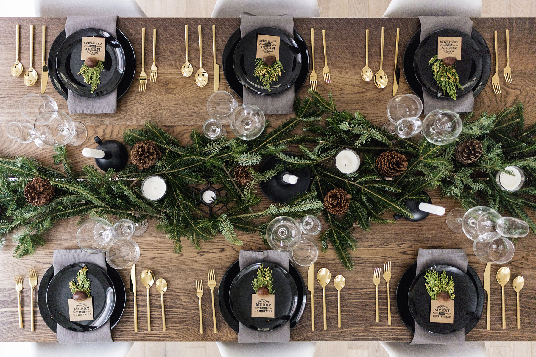12-Christmas-Table-Setting
