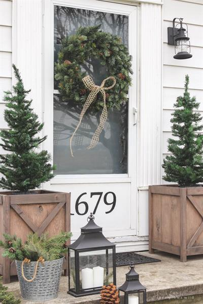 12-Christmas-Porch-Trees-and-Ideas