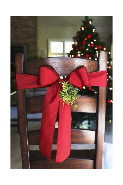 12-Christmas-Dress-Chairs