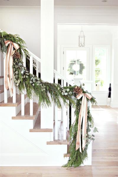 12-Christmas-Garland