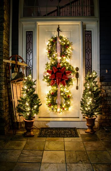 12-Christmas-Porch-Trees