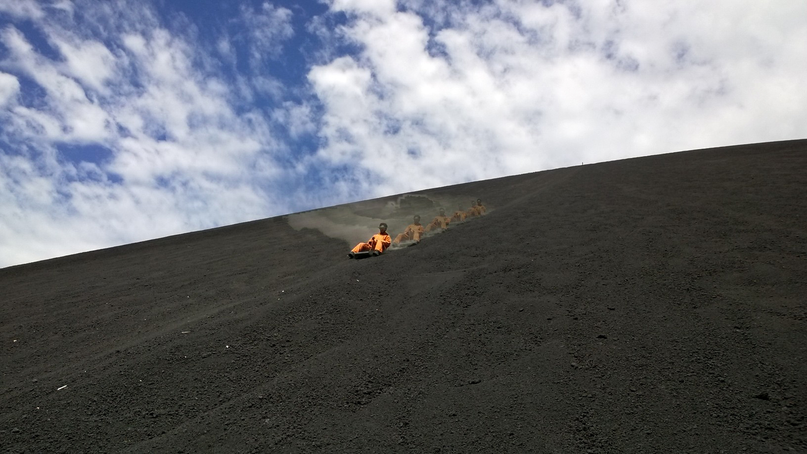 Volcano Boarding | Photo by Wilson Carletti (All Rights Reserved)