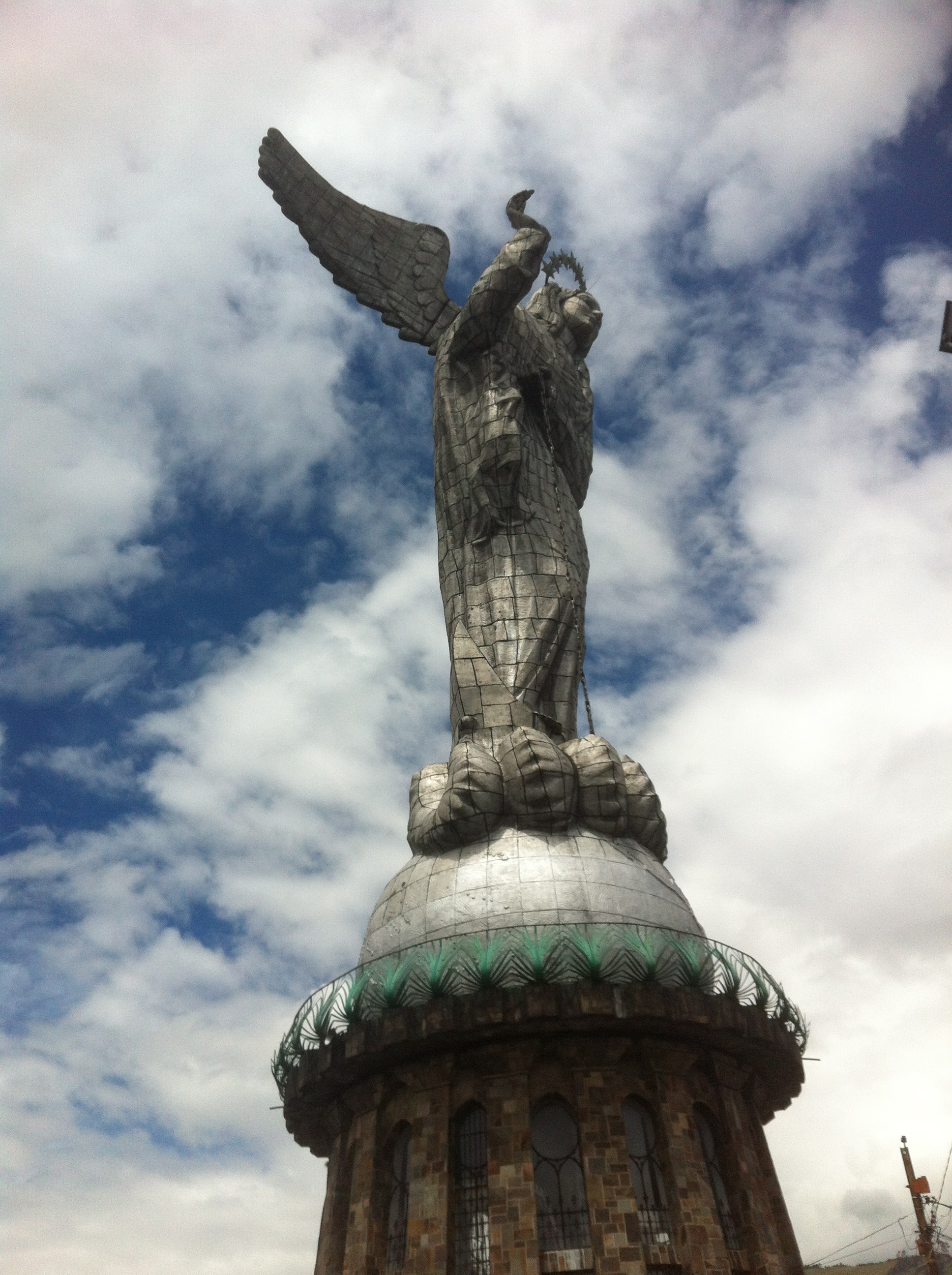 El Panecillo | Photo by Wilson Carletti (All Rights Reserved)