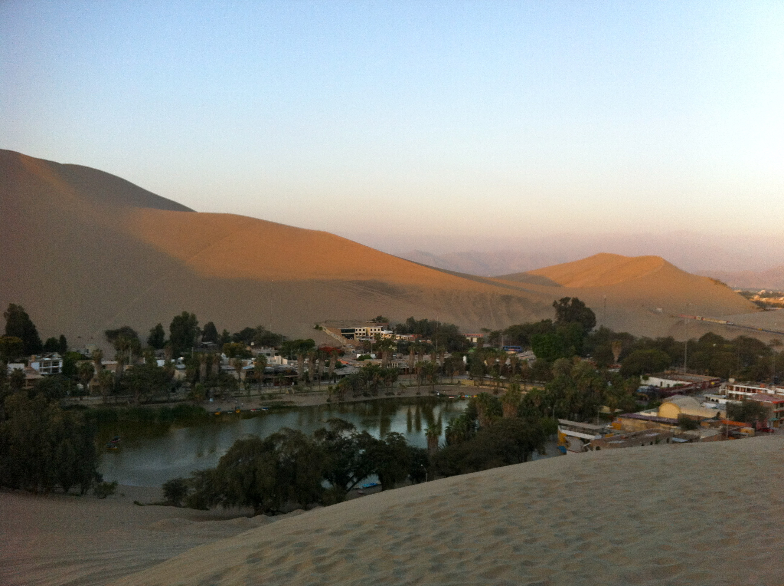 Huacachina | Photo by Wilson Carletti (All Rights Reserved)