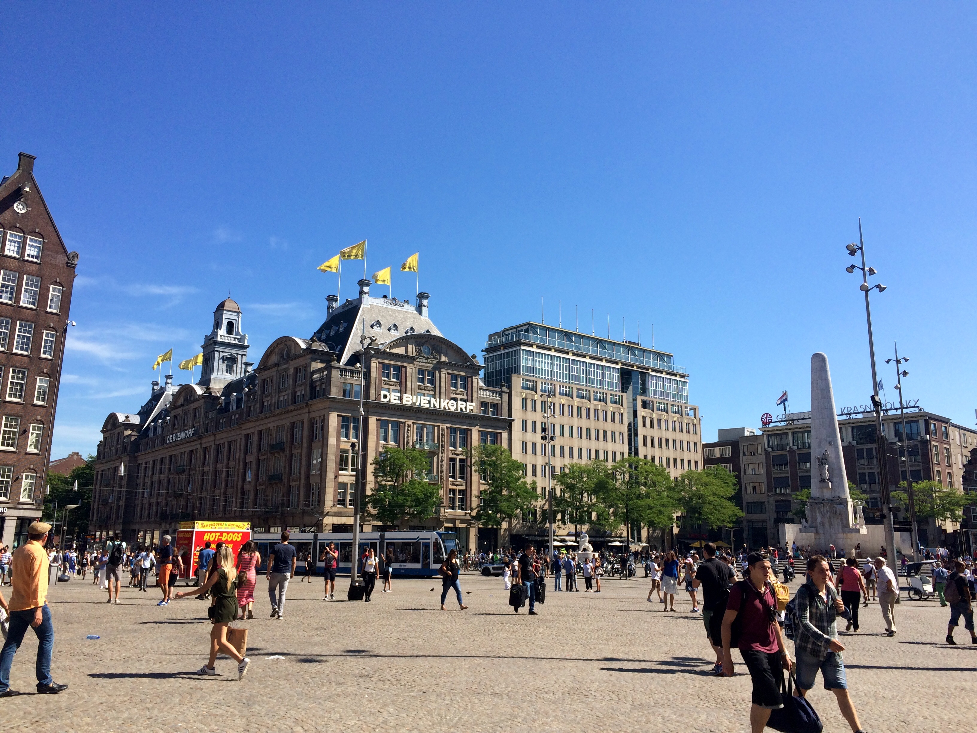 Dam Square | Photo by Wilson Carletti (All Rights Reserved)