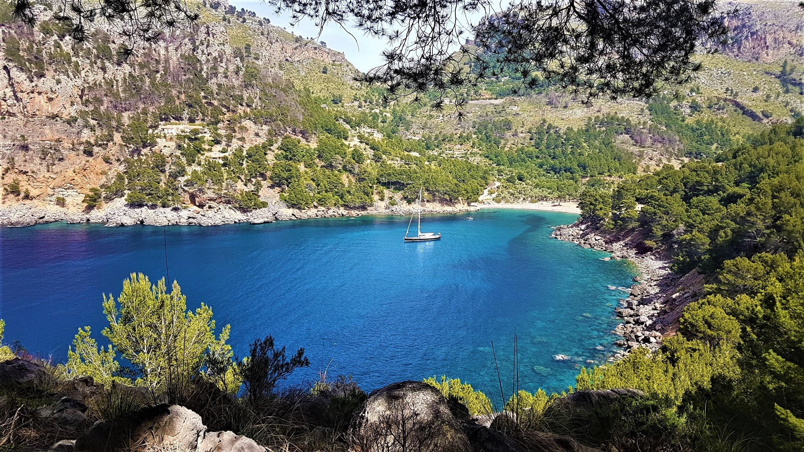 Trekking in Montenegro with ExploraMunt.com!