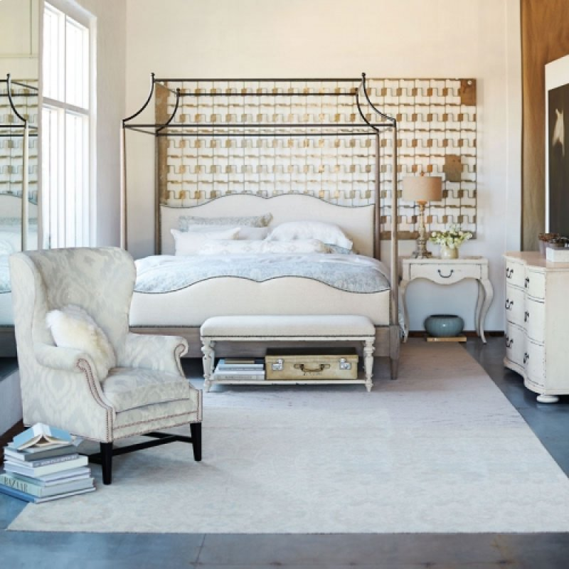 Auberge Poster Bed (King)