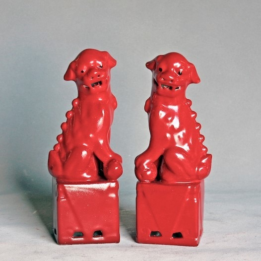 Porcelain Sitting Foo Dog Pair (Red)